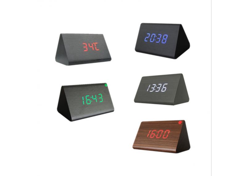 861 Часы настольные электронные