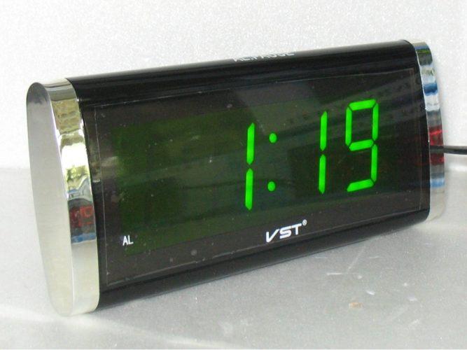 VST-730-4 Электронные сетевые часы